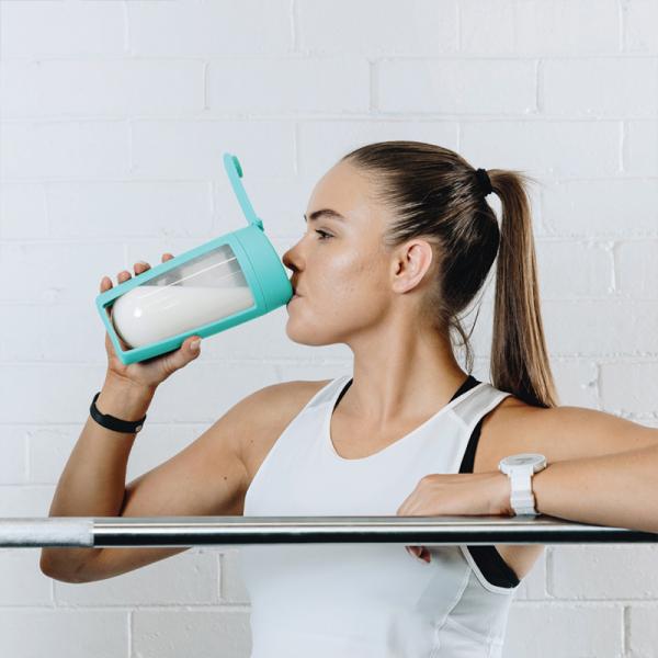 mous-supplement-shaker-bottle-teal-skipping-02